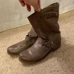 Frye leather boots, great condition!!! Size 9